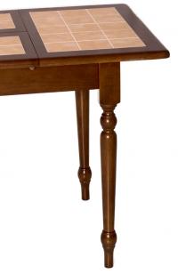 обеденный стол с плиткой