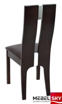 стул темного цвета