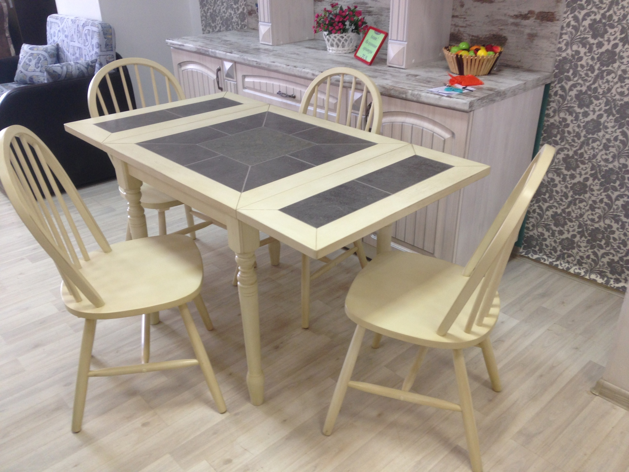 Кухонный стол с плиткой Mistery